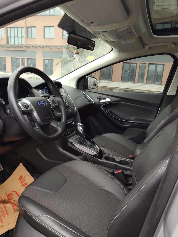 出售福克斯/13年1.6自动/多功能方向盘/运动座椅/天窗